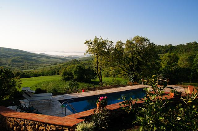 Charming pool with Tuscan view