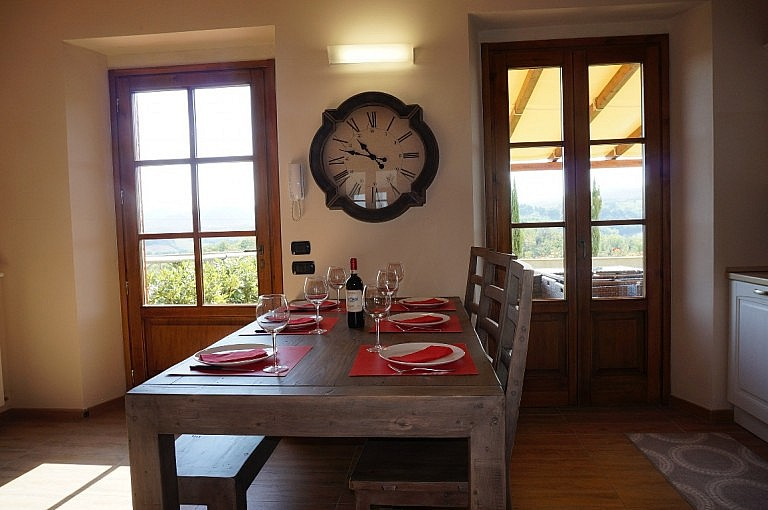 Dining room in unit for 4 people with garden and pool