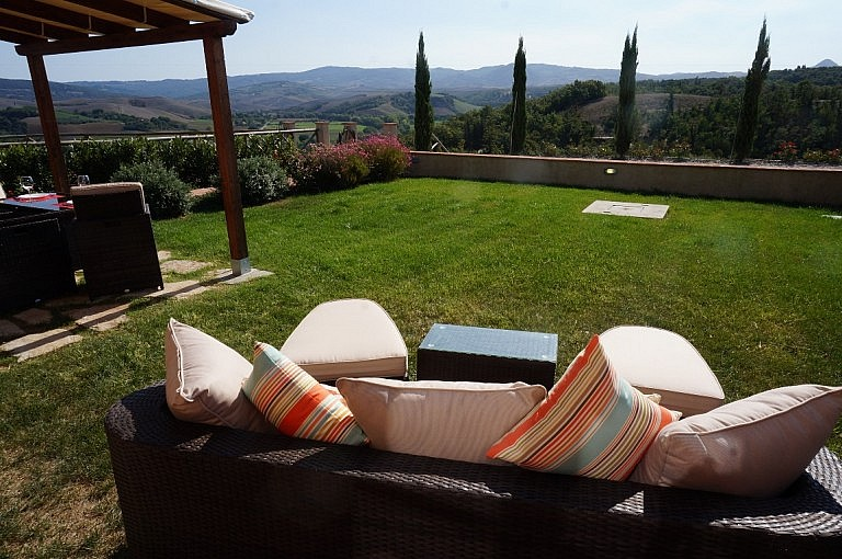 Unit with private garden and gazebo and view over Volterra