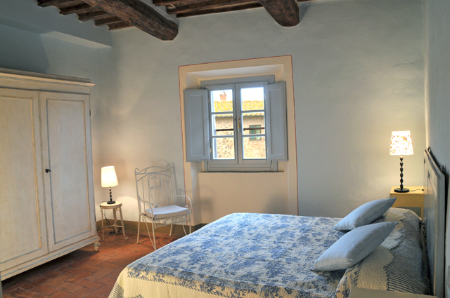 Welcoming bedrooms in Tuscan castle