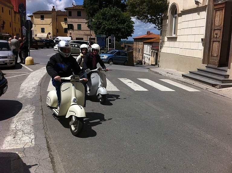 Vespa tours through small villages and hamlets in Tuscany
