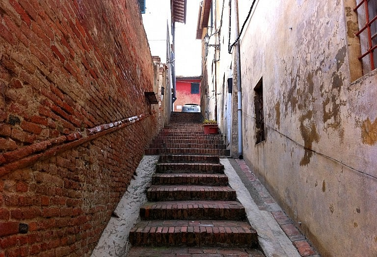 Little lane in the old village of Ghizzano
