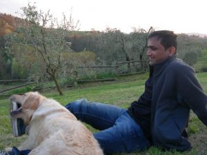 Playing with Pedro on the Tuscan far