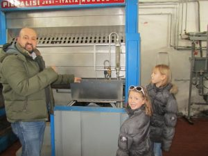 A family visit to the oil mill