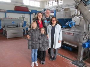 A family picture with the olive oil maker