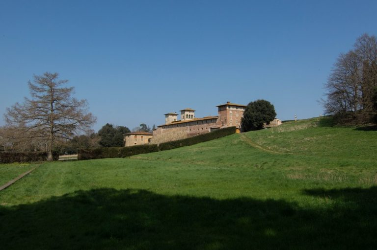 The extensive park of the estate Camugliano