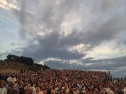 Teatro del Silenzio full of people