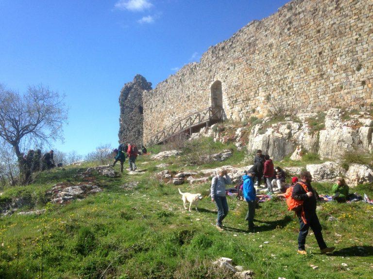 Trekking to Rocca di Pietracassia