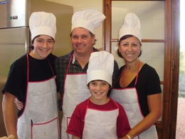Family cooking class in Tuscany