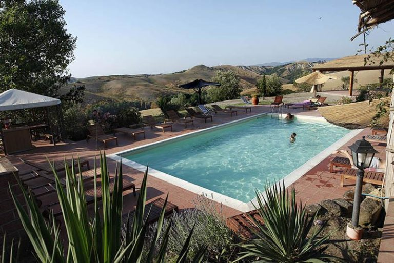Pool and lovely views in an organic cheese farm in central Tuscany