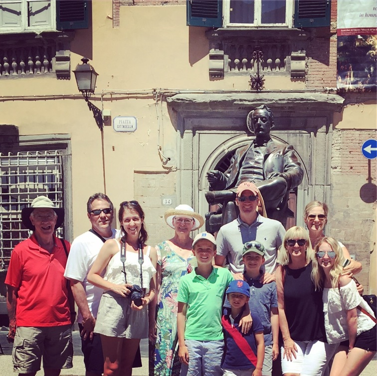 Private guided tour of Lucca downtown