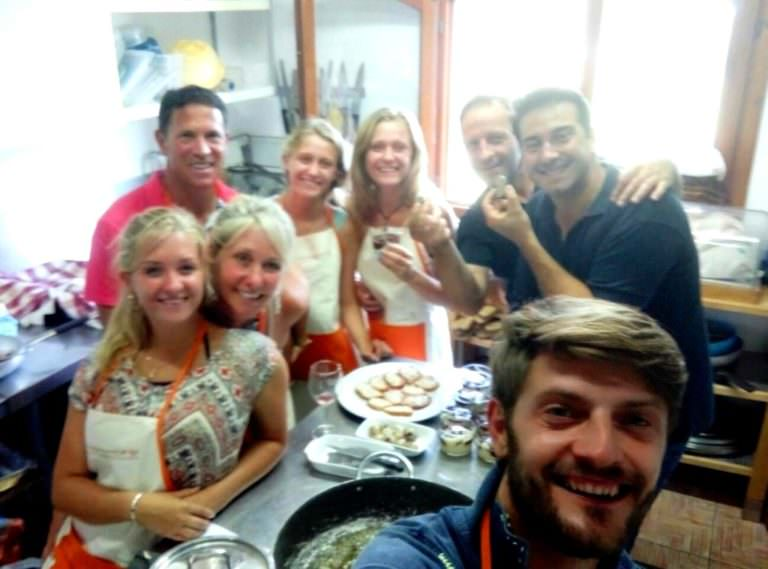 Luca and his happy guests for the cooking experience