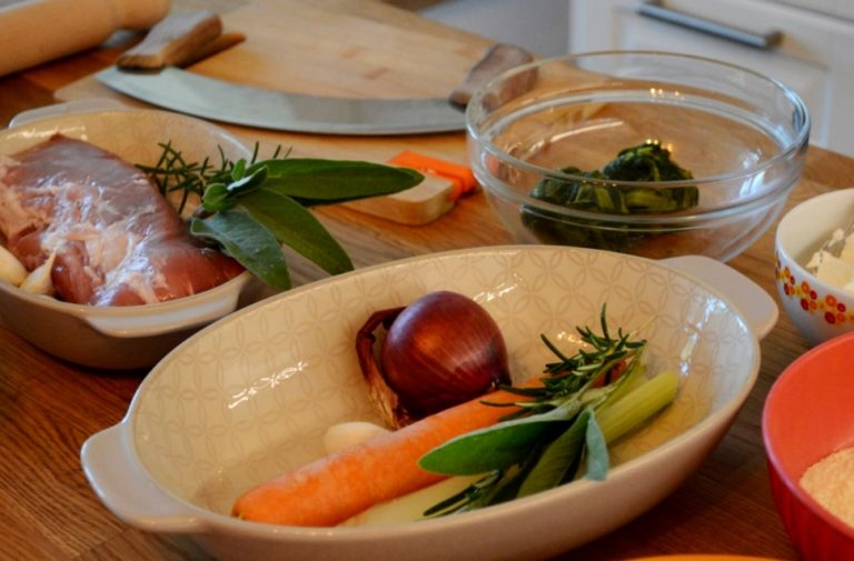 Private live streaming cooking classes from Tuscany