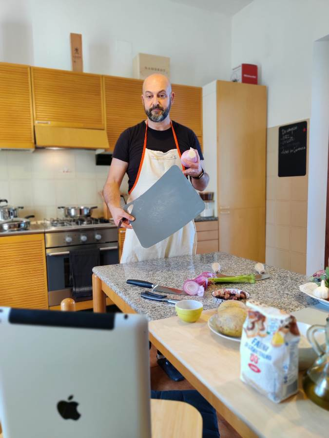 Distancing and cooking
