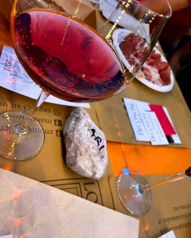 A petit rouge of tempranillo di Toscana